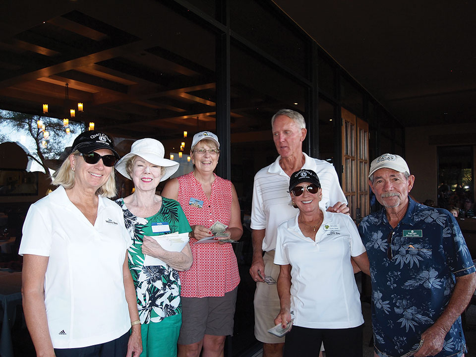 Left to right, 1st place team: Mary Anderson, Committee Members Joyce Walton and Janet Wegner, Charlie Anderson, Diane and Brian Dodd. Lynda and Ron Pilcher were not available for the photo; photo by Sylvia Butler